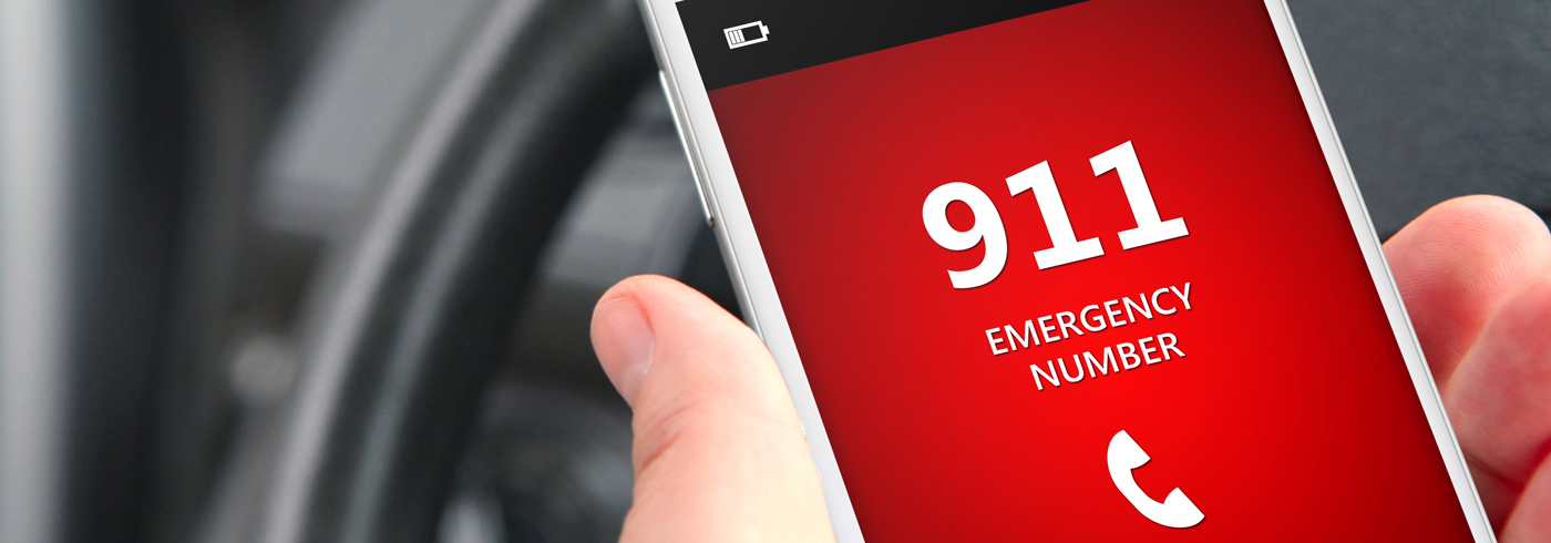 Cell phone dialing 911.
